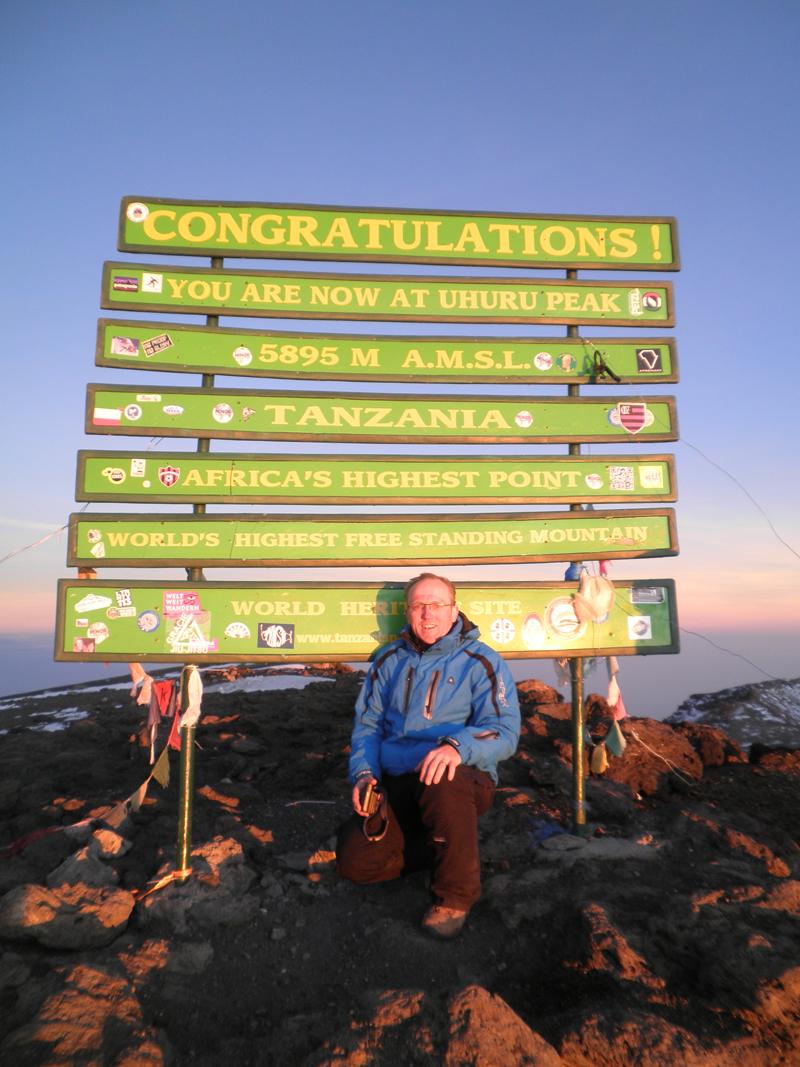 på toppen af Kilimanjaro